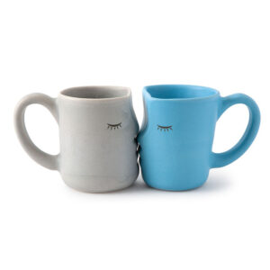 Fall In Love With The Kissing Mugs ECoffeeFinder 1